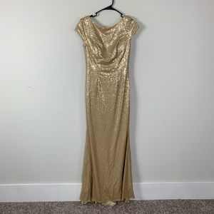 Gold sequins maternity dress photo shoot